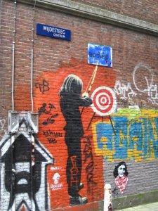Graffiti di tembok Amsterdam, gambar Anne Frank bersjal Palestina bikin marah warga Jahudi