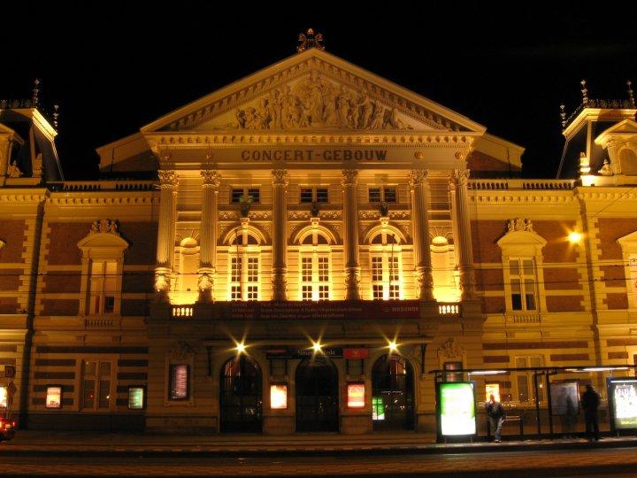 Gedung Concertgebouw anno 2004