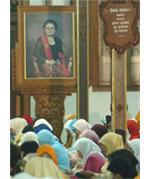Mendoakan Tien Soeharto