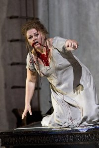 Susan Bullock ada pigang peran Elektra di Covent Garden, London, 2009