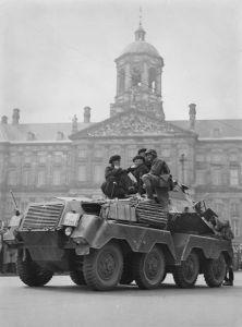 Pasukan Djerman di djantung Amsterdam