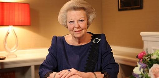 Ratu Beatrix mengumumkan rentjana abdikasinja
