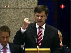 Balkenende di depan parlemen Belanda