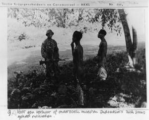 """Tulisan tangan """"Voor een verhoor of onderzoek moesten Indonesiërs zich soms geheel ontkleden"""""""