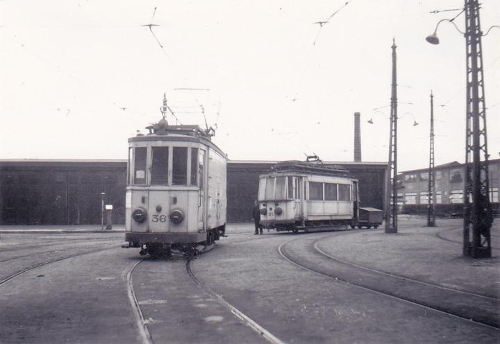 Tram kembali ke remise (garasinja)