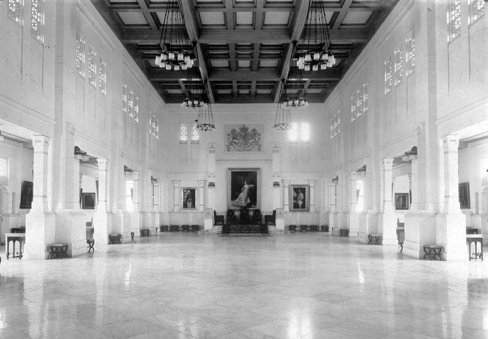 Ruang audiensi istana gubernur djenderal di Batavia