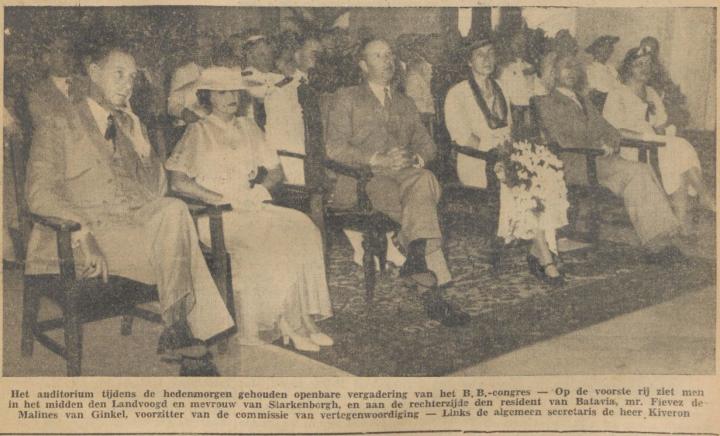Gubernur Djenderal Tjarda (tengah) dan Resident Van Ginkel (kanan)