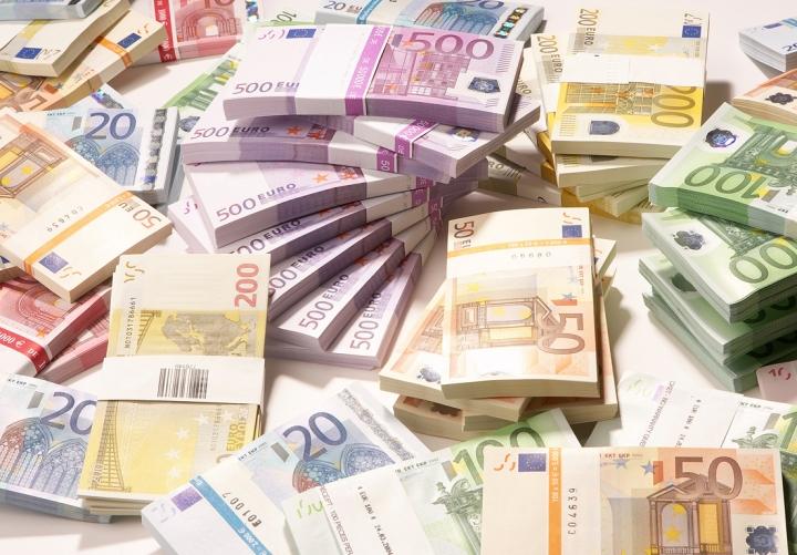 Bagaimana mesti melafalkan mata uang Eropa ini?