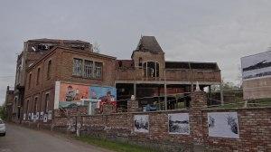 Rumah jang pernah ditinggali Vincent van Gogh di Belgia selatan (https://nl.wikipedia.org/wiki/Vincent_van_Gogh#/media/File:Wasmes_-_Charbonnage_de_Marcasse.JPG)