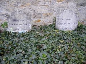 Makam Vincent dan adiknja Theo berdampingan di Auver sur Oise foto @Yita Dharma