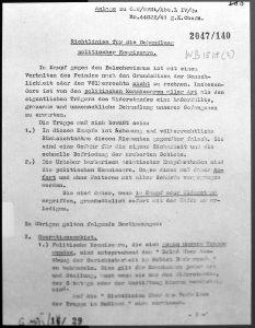 Surat perintah pembunuhan dikeluarkan oleh Hitler Sumber https://de.wikipedia.org/wiki/Kommissarbefehl#/media/File:12-10-13-dokument-kongreszhalle-nuernberg-by-RalfR-128.jpg