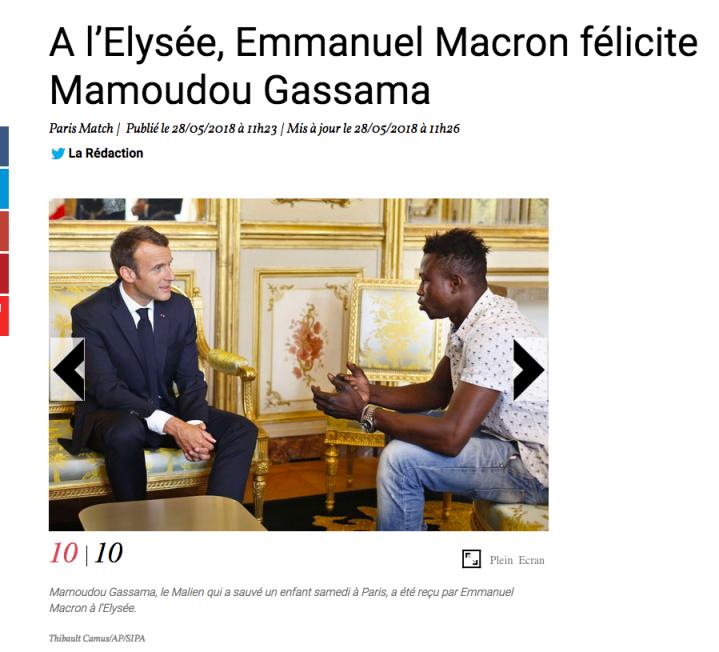 Gassama berbitjara empat mata dengan presiden Emmanuel Macron (sumber: https://www.parismatch.com/Actu/Societe/A-l-Elysee-Emmanuel-Macron-felicite-Mamoudou-Gassama-1526879)