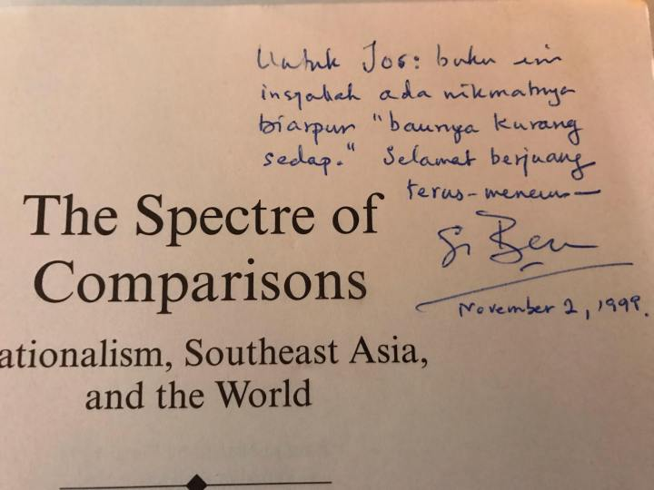 Tandatangan pada buku »The spectre of comparisons«