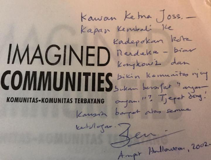 "Tanda tangan pada buku ""Komunitas2 terbajang"""